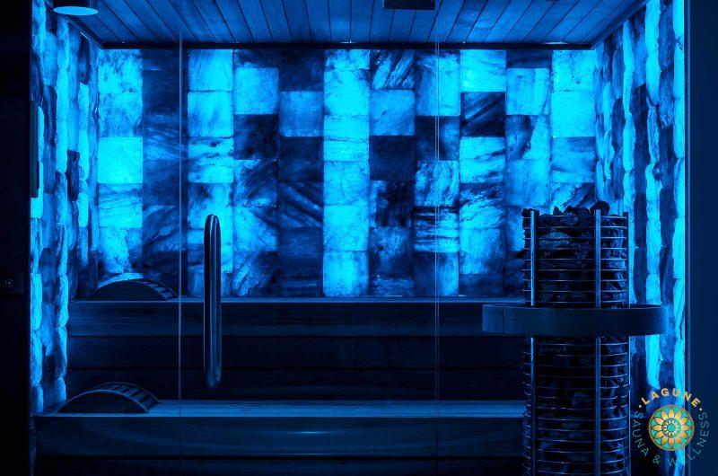 Sauna met zoutwanden